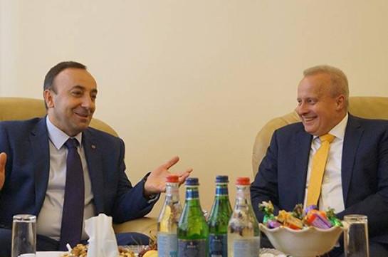 Հրայր Թովմասյանն ընդունել է Հայաստանում Ռուսաստանի դեսպանին