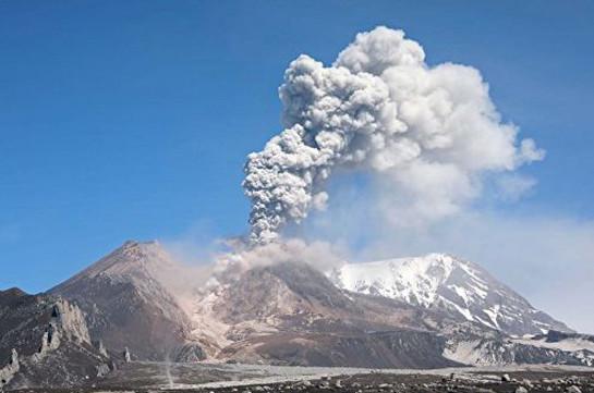 Կամչատկայի Շիվելուչ հրաբուխն արտանետել է 4000 մետր բարձրությամբ մոխրի սյուն