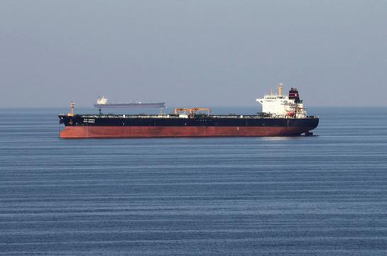 Британия подтвердила инцидент с катерами Ирана в Ормузском проливе