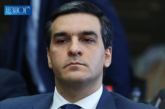 Омбудсмен Армении встретился с Робертом Кочаряном, недовольства в связи с условиями содержания нет