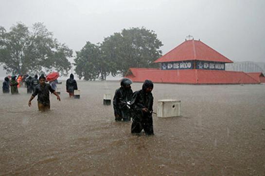 В Индии число жертв ливней и наводнений превысило 170 человек