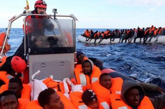Хавьер Бардем поддержал судно испанской НПО с мигрантами на борту