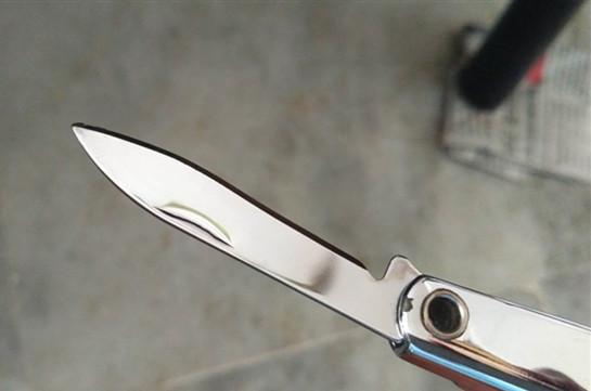Мужчина с ножом напал на людей в Гонконге