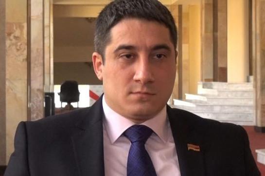 Эдгар Аракелян отказался от депутатского мандата, поскольку почувствовал, что в дальнейшем будет много поводов для раскаяния