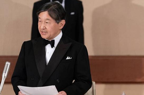 Император Японии официально утвердил состав нового правительства