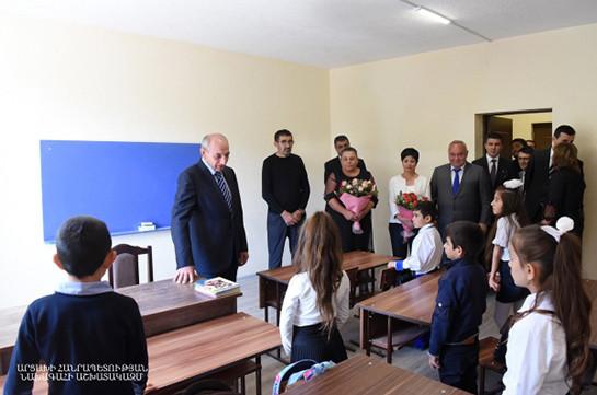 Բակո Սահակյանի մասնակցությամբ Քաշաթաղի շրջանի Մոշաթաղ գյուղում բացվել է դպրոց