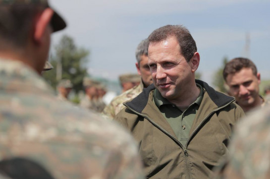 Arthur Vanetsyan is my friend: Defense minister refuses to comment on NSS ex-director's resignation