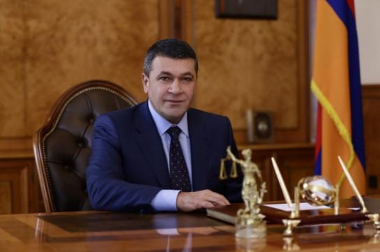 Бывший начальник полиции Армении обвиняется в злоупотреблении властью
