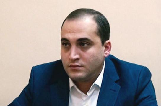 Driver of car with #sutnikol writ beaten, taken to police department: Narek Samsonyan