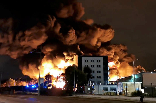 Schools closed as huge fire breaks out in French chemical factory