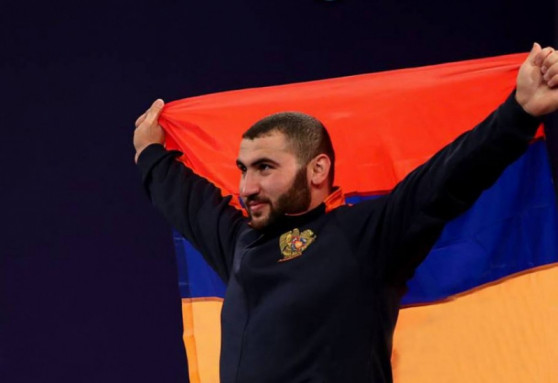 Armenian weightlifter Simon Martirosyan becomes double world champion