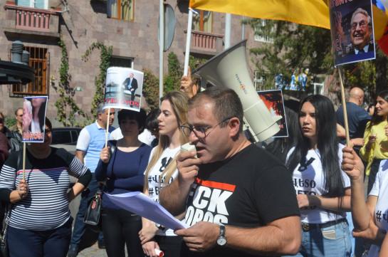 Армянские депутаты строго осудили посягательства против представителей гражданского общества