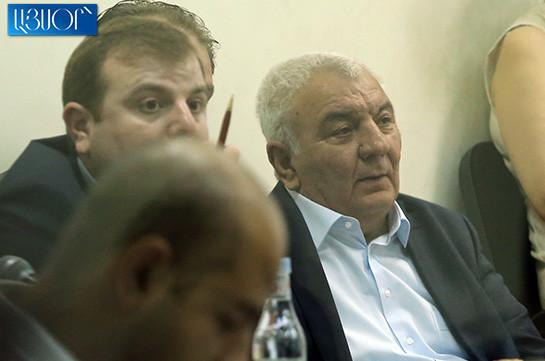 Դատարանը կտա հարցերի պատասխանը՝ Յուրի Խաչատուրովը ապրիլյան գործողություններին ժամանակին եղե՞լ է տեղում, թե՞ բիլիարդ խաղալուց է եղել. ԳՇ պետ