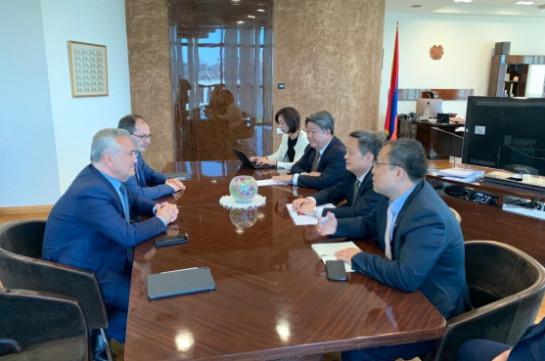 ՀՀ ԿԲ նախագահ Արթուր Ջավադյանը հանդիպել է China Union Pay կազմակերպության խորհրդի նախագահի հետ
