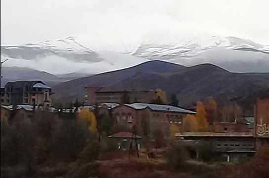 Վայոց ձորի լեռներում տեղացել է առաջին ձյունը. Լուսանկարներ