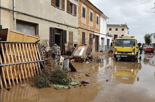 Կատալոնիայում հորդառատ անձրևների պատճառով երեք մարդ անհետ կորել է