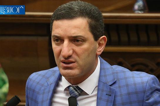 Սա ի՞նչ վերաբերմուքն է խորհրդարանական պետության պատգամավորների նկատմամբ. Գևորգ Պետրոսյանն, ի նշան կառավարությանն ուղղված բողոքի, լքեց նիստերի դահլիճը