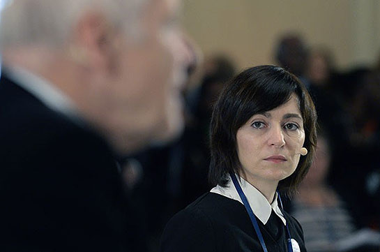 Парламент Молдавии отправил в отставку правительство Санду