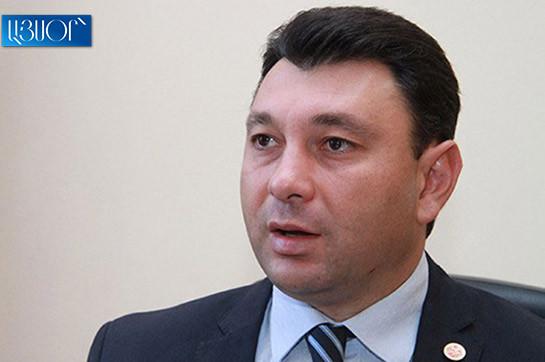 Хачатур Сукиасян вовеки не был другом Сержа Саргсяна – Эдуард Шармазанов откомментировал заявления олигарха
