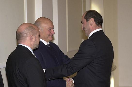 Роберт Кочарян направил телеграмму соболезнования семье бывшего мэра Москвы Юрия Лужкова