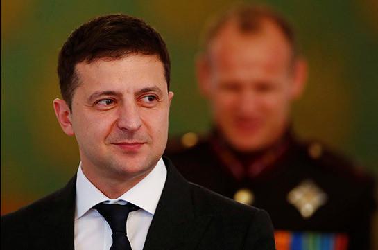 Зеленский стал гостем украинского ток-шоу (Видео)
