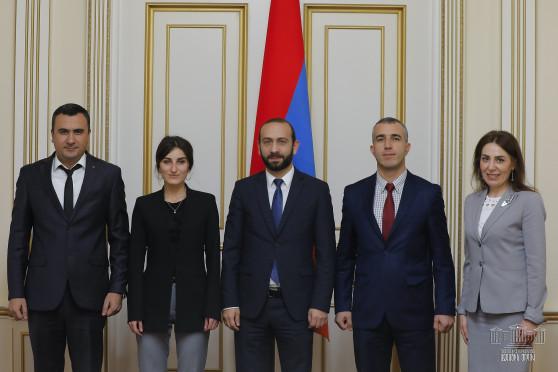 Арарат Мирзоян принял членов Комиссии по предотвращению коррупции