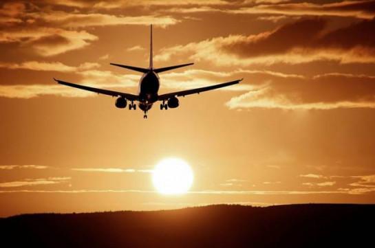 Самолет Thai Airways совершил вынужденную посадку с двумя мертвыми пассажирами на борту