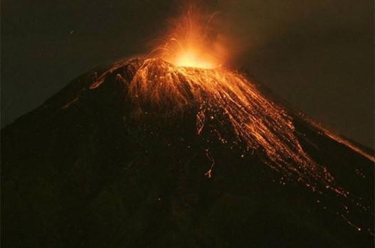 В Эквадоре произошло извержение вулкана