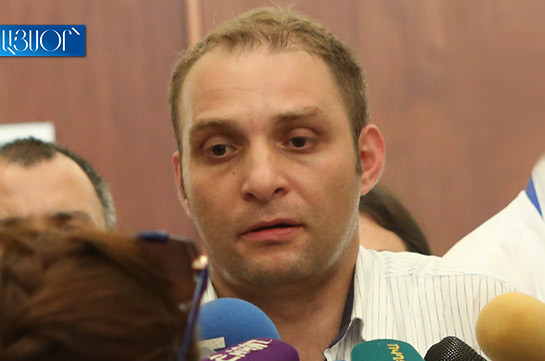 Hrayr Tovmasyan's defense team applies to investigative body to learn whether petition to carry out search of CC Chairman's apartment was submitted or not