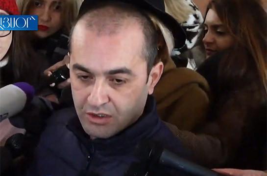 Беспрецедентная практика: Следователи пытаются провести обыск в квартире главы КС Армении без предъявления решения суда