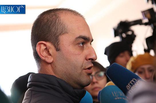 ՀՔԾ քննիչները ոչինչ չեն հայտնաբերել ՍԴ նախագահ Հրայր Թովմասյանի բնակարանում