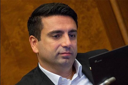 Թումանյան փողոցում ես հետևից գրկախառնության արժանացա. Ալեն Սիմոնյանը պատմել է Հրայր Թովմասյանի հետ հանդիպման մասին