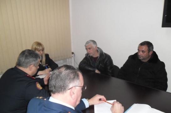 Начальник главного военного следственного управления СК Армении принял родственников погибшего военнослужащего Тиграна Мхояна
