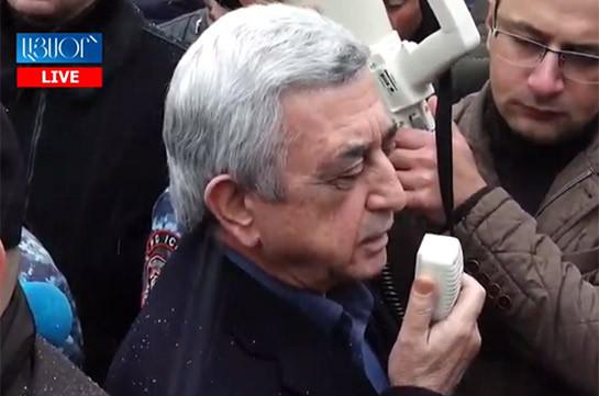 Nagorno Karabakh will never be part of Azerbaijan: Serzh Sargsyan addresses his supporters at court yard