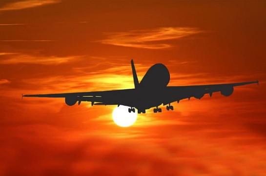 Правительство РФ поручило прекратить регулярное и чартерное авиасообщение (РИА Новости)