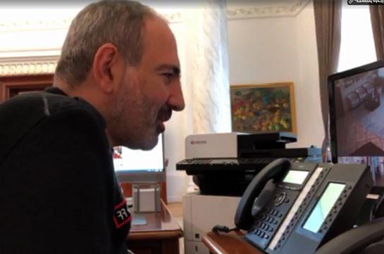Премьер-министр Никол Пашинян продолжает звонить случайным гражданам