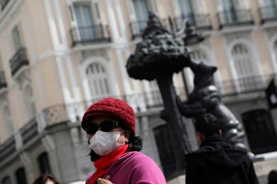 В Испании за сутки умерло более 800 пациентов с коронавирусом (Интерфакс)