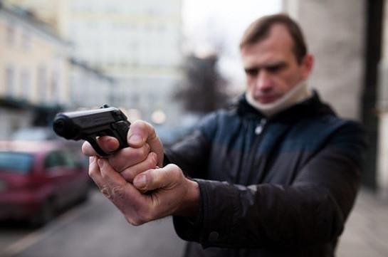 Բժշկական դիմակով անհայտ անձը հրաձգություն է իրականացրել Նոր Մոսկվայում