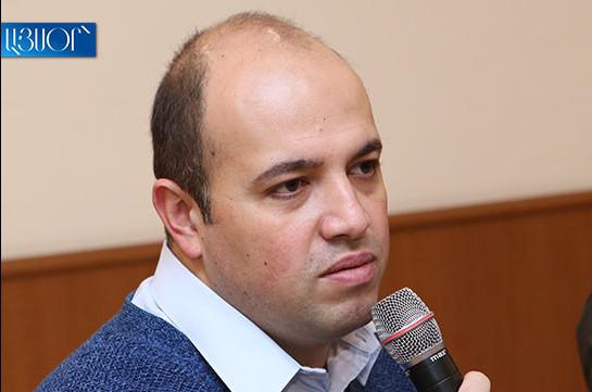Ավագանու անդամը ծաղրում է վրացիներին, մեր քաղաքացիները՝ քաղաքապետին, քաղաքապետարանն էլ սլաքներն ուղղում է պարետատուն. Մելիք-Շահնազարյան