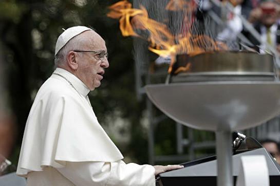 Папа Франциск помолился за всех трудящихся