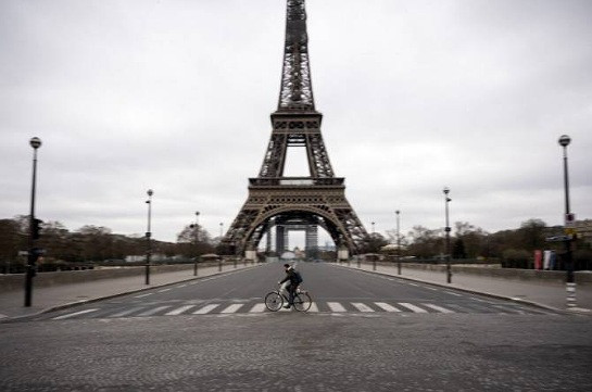 Сенат Франции одобрил проект о продлении санитарного ЧП до 10 июля