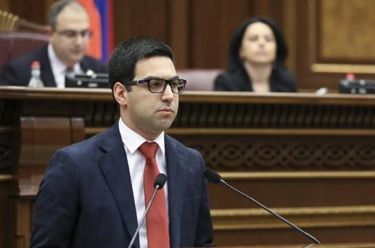 Проект конституционных поправок будет представлен в будущем году – Рустам Бадасян