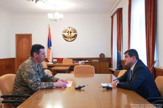 Подразделения Армии обороны внимательно следят за всеми действиями противника – Араик Арутюнян принял Джалала Арутюняна