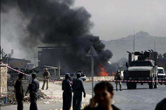 В Афганистане около семи человек погибли при атаке талибов