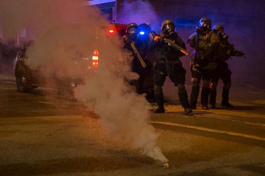 В Сиэтле запретили полиции применять слезоточивый газ в ходе протестов
