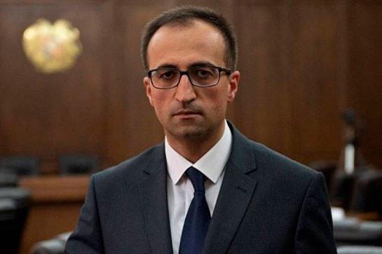 Министр здравоохранения Армении на своем автомобиле сбил 10-летнего ребенка, он получил незначительную травму