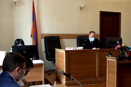Рассмотрение жалобы о мере пресечения в отношении Роберта Кочаряна отложено