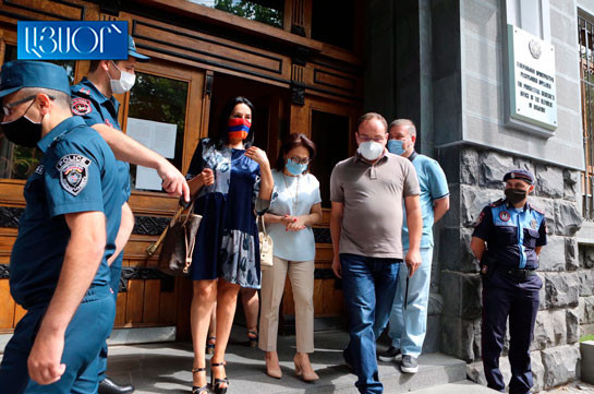 Hayrenik, PAP, ARF-D submit report to Prosecutor General's Office on usurpation of power and constitutional order