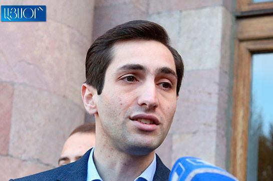 Давид Хажакян: под неопубликованным распоряжением скрываются предоставленные мэром Еревана премии в размере 6.7 млн. драмов