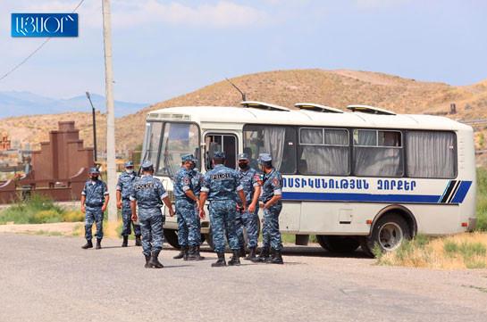 Ոստիկանությունը Խոր Վիրապի մոտից բերման է ենթարկել 32 անձի